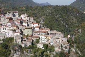 Canistro (Aq), il borgo